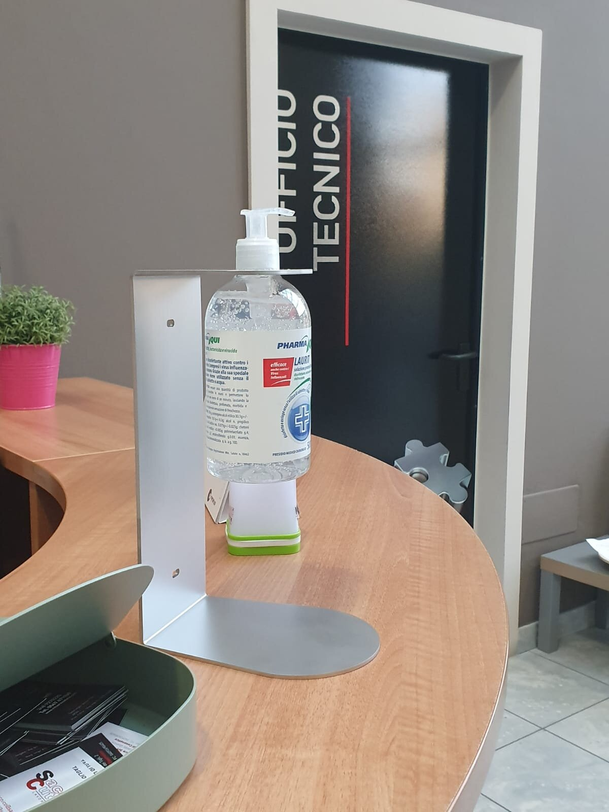 supporto gel igienizzante da tavolo